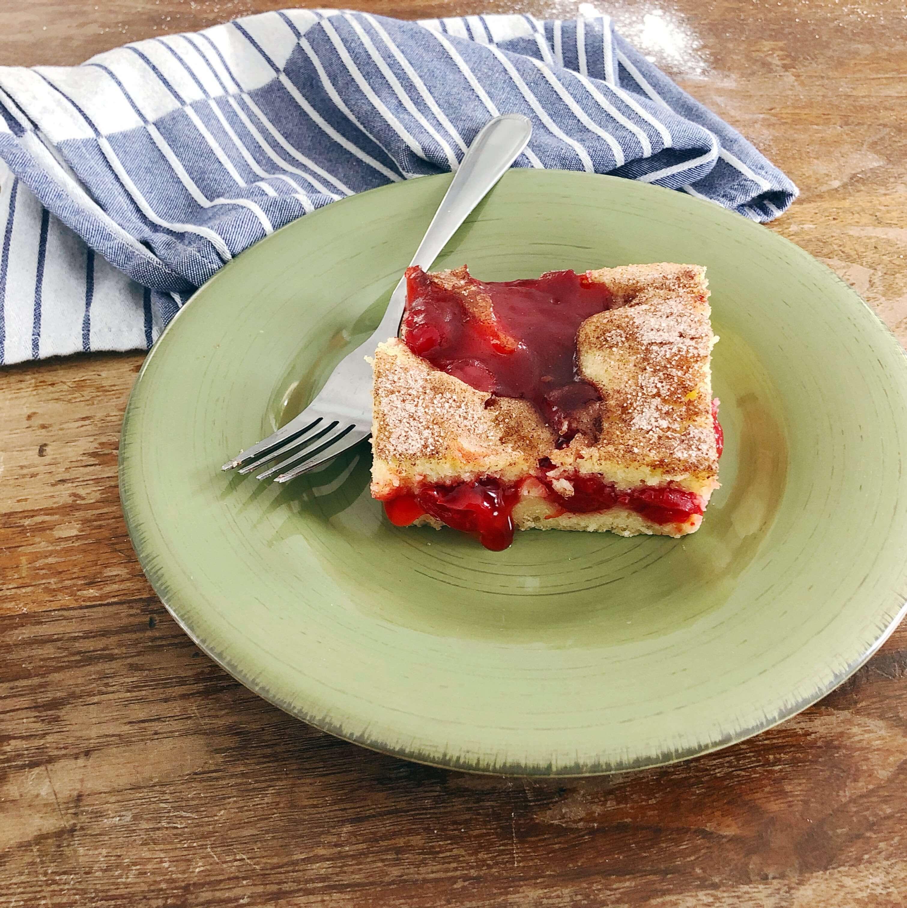 Grandma's Cherry Coffee Cake | cassierauk.com
